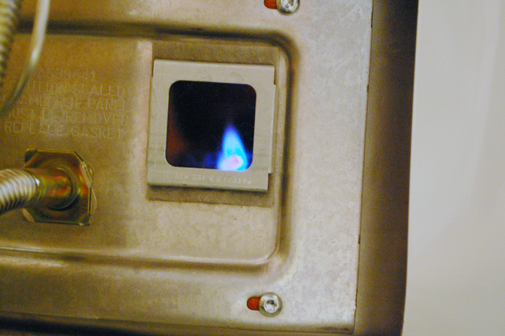 how to turn on pilot light water heater